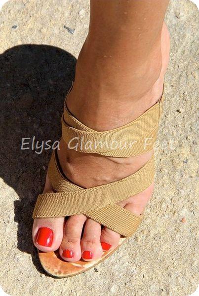 IMG 6698 Mistress Elysa goes to the beach