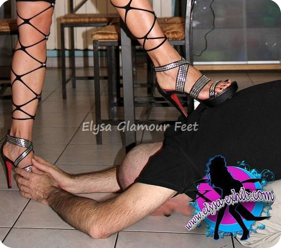 1342 Elysas foot worship session