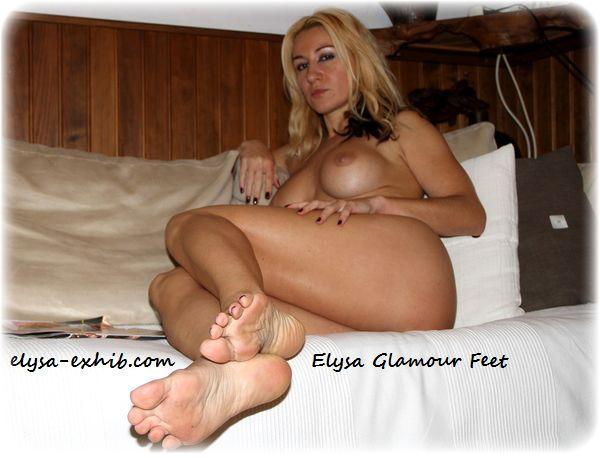 IMG 5887 At your feet Mistress Elysa